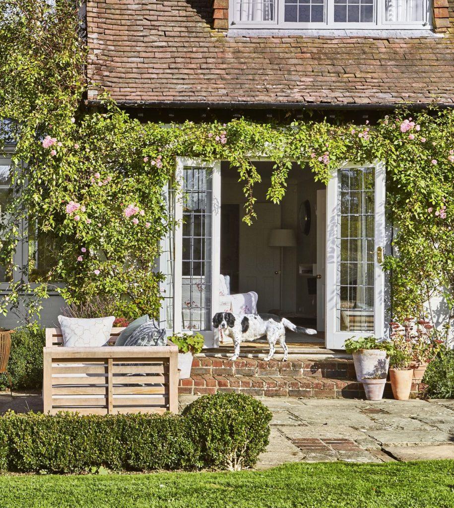 Beautiful Flower Frontyard Ideas 4
