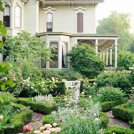 Beautiful Flower Frontyard Ideas 7