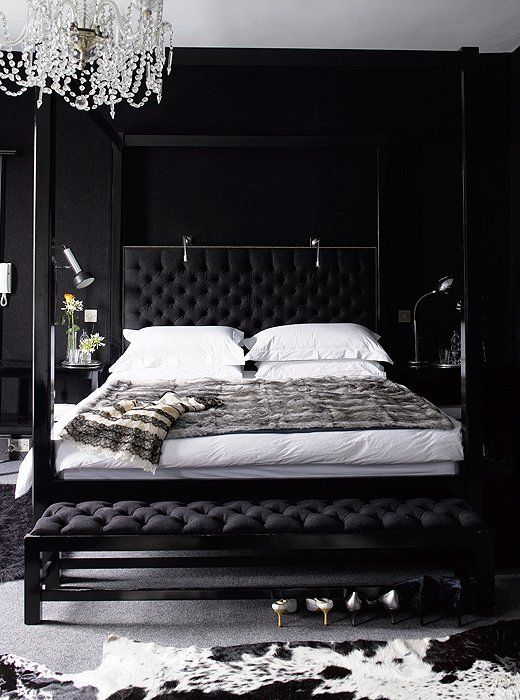 Bedroom Designs With Dark Wall 9