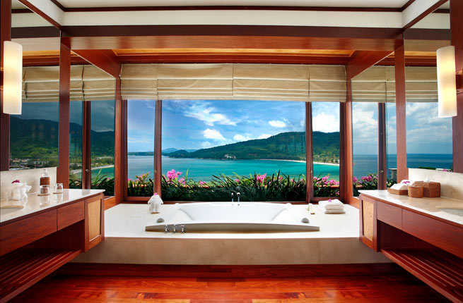 Breathtaking Bathrooms With Infinity Bathtubs 7