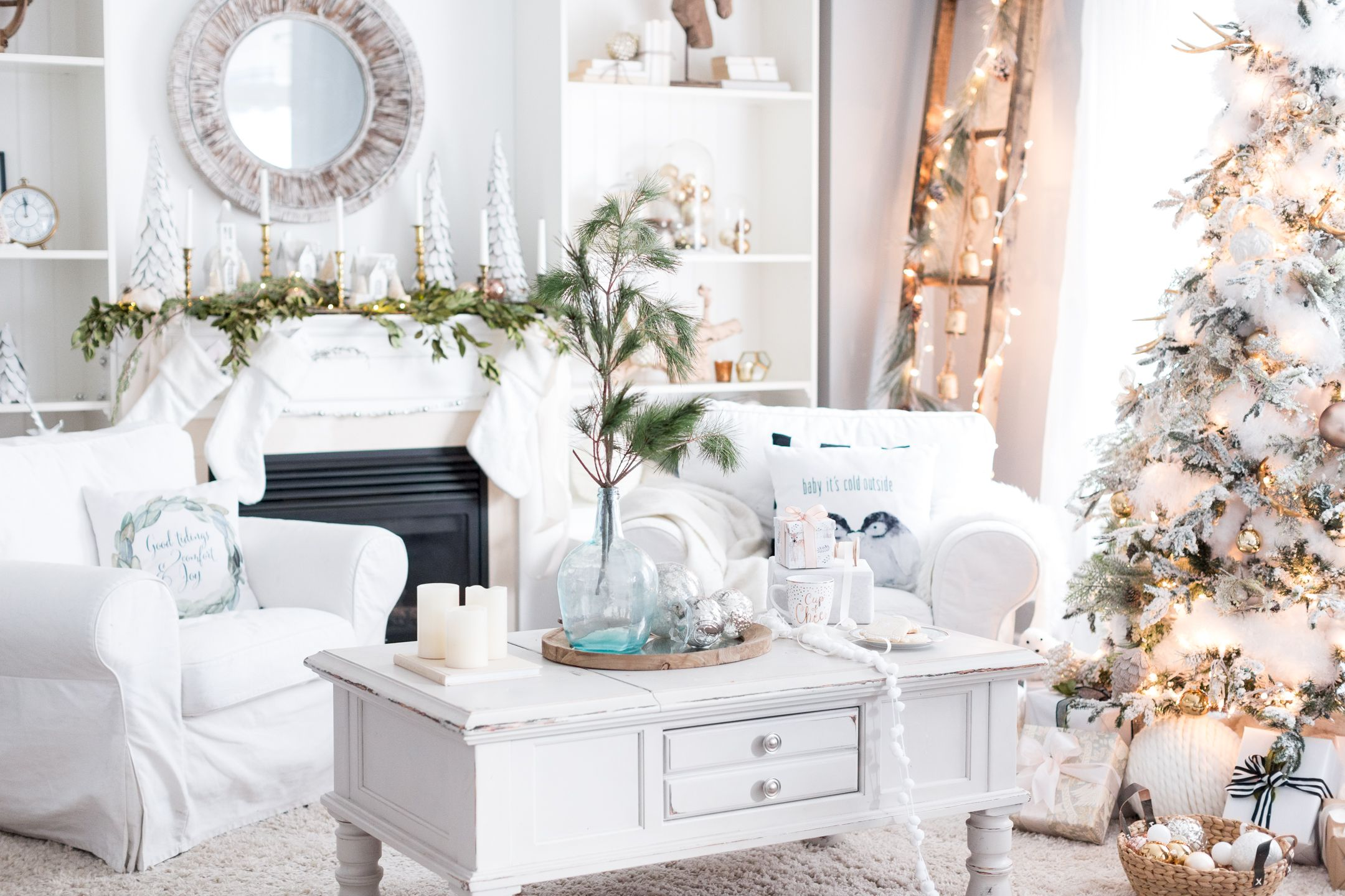27 Easy Christmas Home Decor Ideas - Small Space Apartment