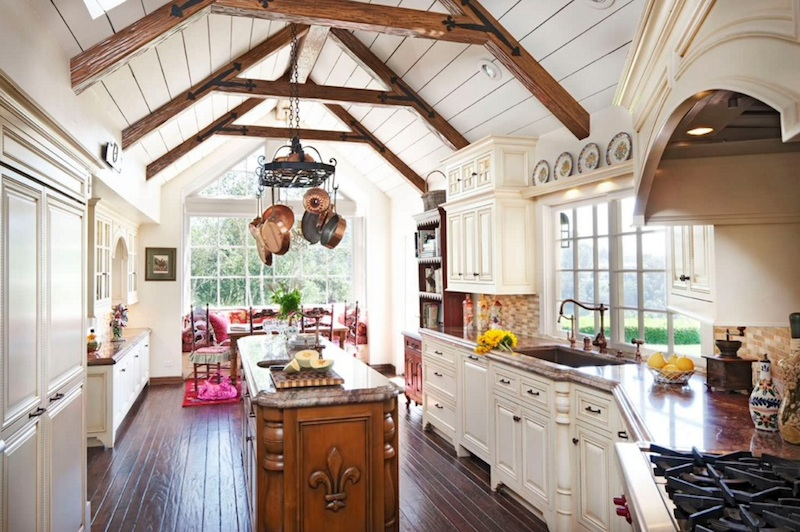 Comfy Farmhouse Kitchen Ideas