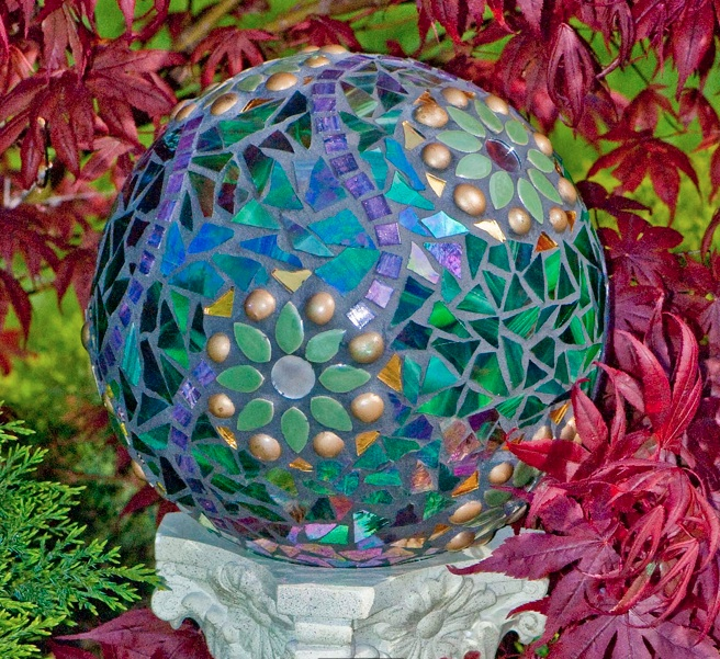 How To Make A Gorgeous Garden Mosaic Gazing Ball - Do-It-Yourself