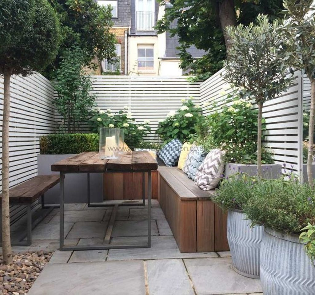 30+ Elegant Terraced Backyard Design Ideas To Makes Your Home Cozy