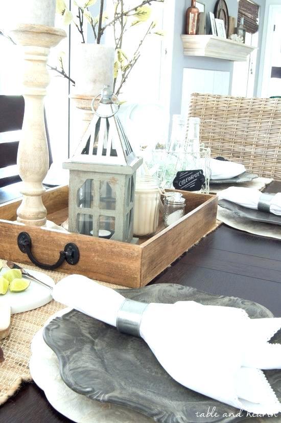Farmhouse Coffee Table Decor Ideas 8