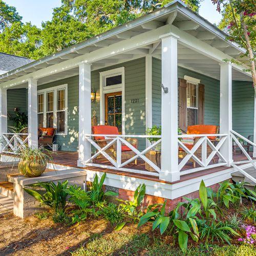 Front Porch Design Ideas, Remodels & Photos | Houzz | ESC Pergolas