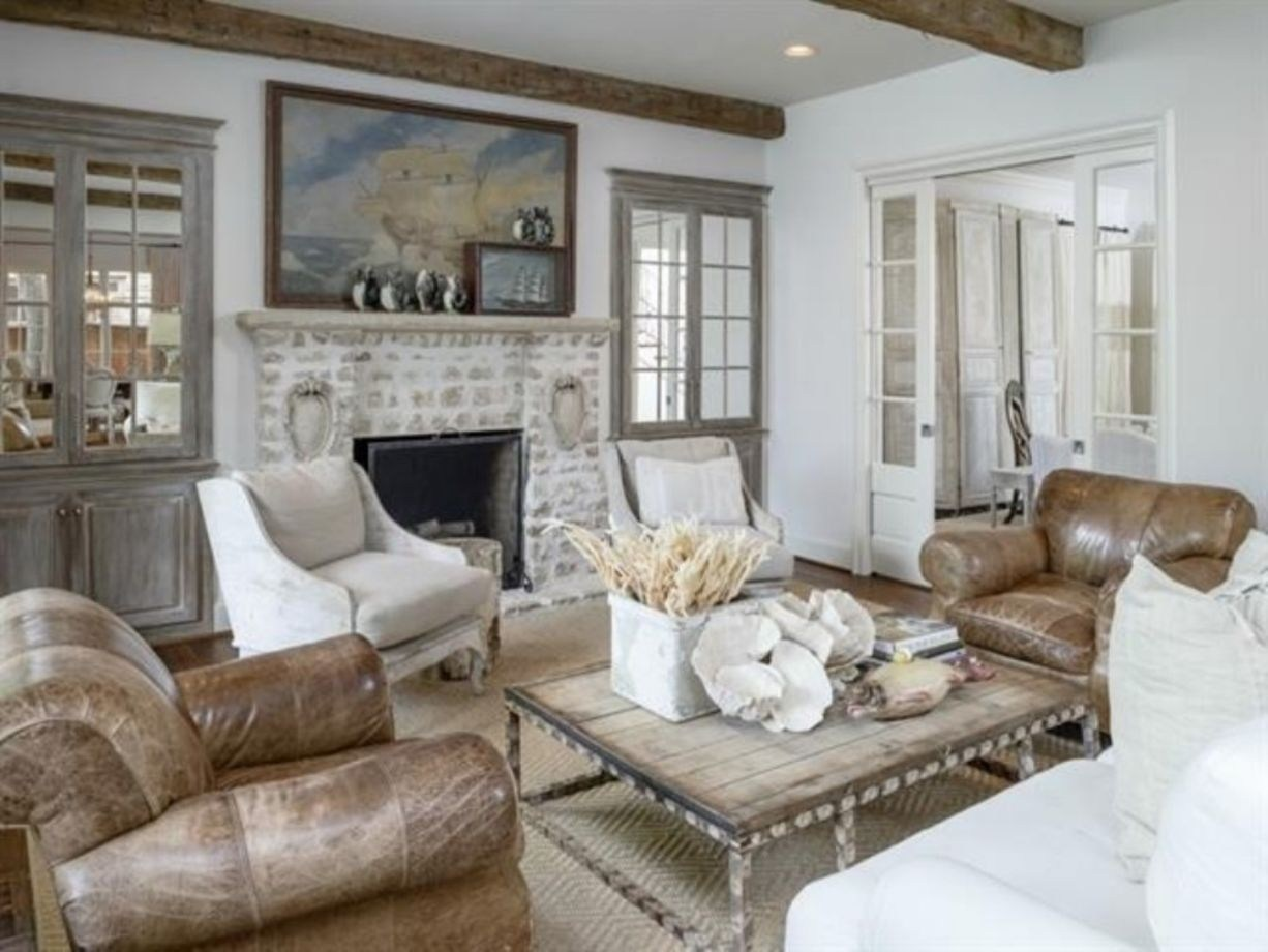 30 Magnificent French Farmhouse Living Room Decor Ideas - Wartaku.net