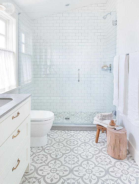 20 Farmhouse Bathroom Ideas We're Swooning For | Master Bath