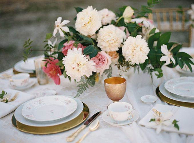 50 Stylish And Inspiring Flower Arrangement Centerpieces and Table