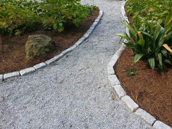 19 DIY Garden Path Ideas With Tutorials | Balcony Garden Web