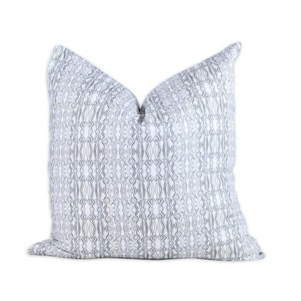 45 Luxurious European Decorative Pillow To Inspire And Copy - TREND4HOMY