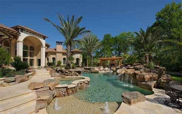 15 Ideas for Daunting Mediterranean Pool Designs | Perfect Backyard