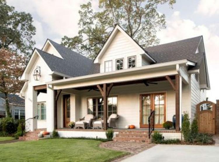 Modern Farmhouse Exterior Design Ideas 33 - ProHouse.Info