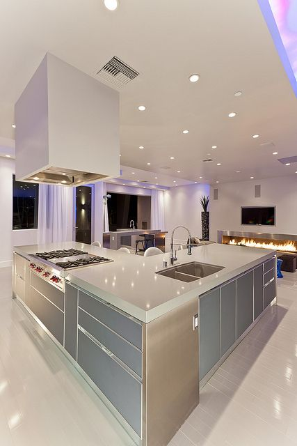Modern Las Vegas Home 28/30 - Kitchen Island | Older House