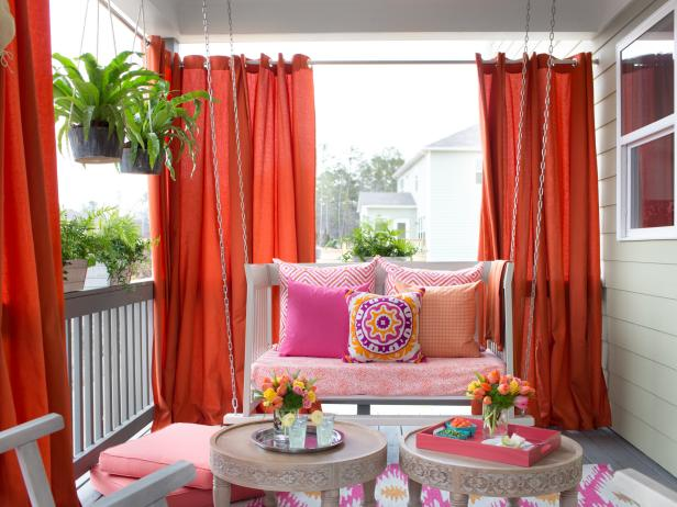 You'll Love These Ideas for Beautiful Outdoor Curtains | DIY