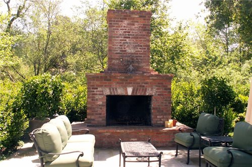 Outdoor Fireplace Design - Landscaping Network