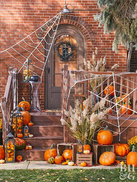 Outdoor Halloween Decorations & Yard Decorating | Better Homes
