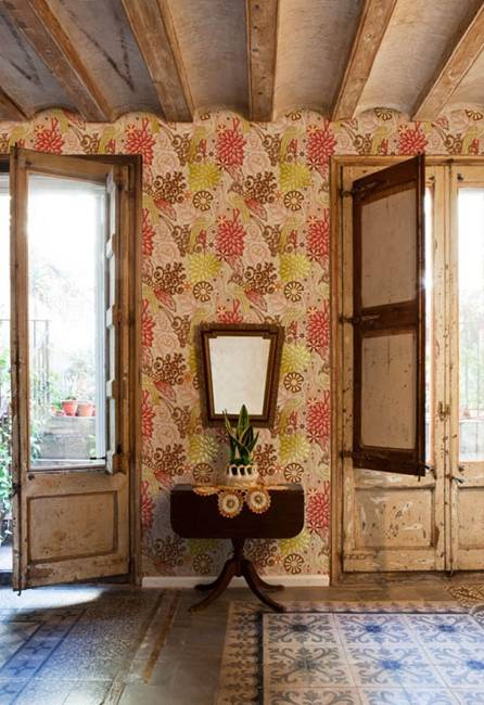 Retro Wallpaper Decor Ideas