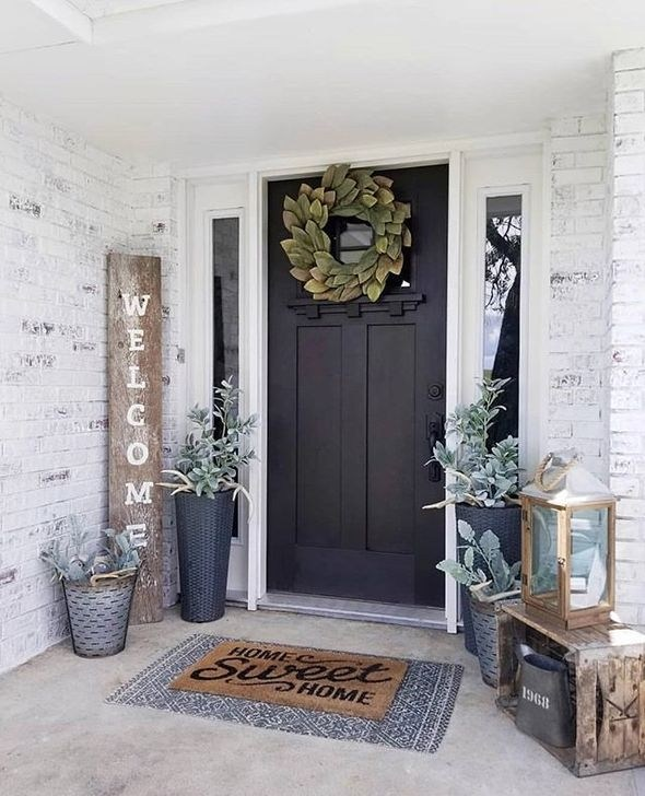 Modern Rustic Farmhouse Front Porch Decoration Ideas 20 - 99BESTDECOR