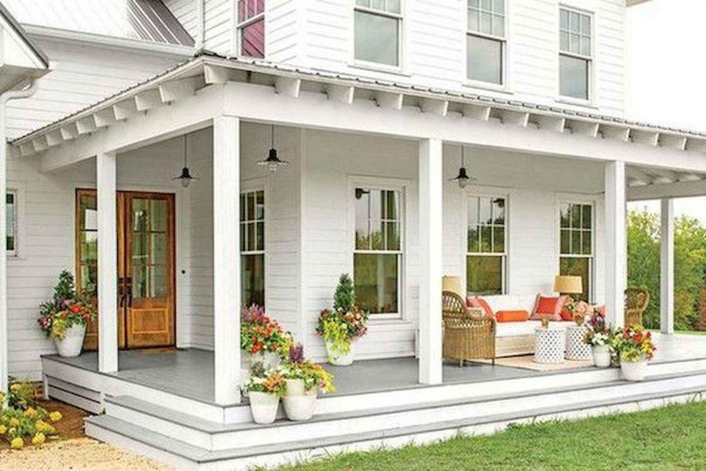 Rustic Farmhouse Porch Decor Ideas 5