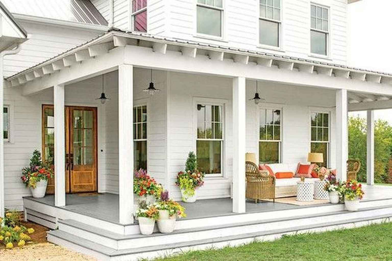 30 Rustic Farmhouse Front Porch Decorating Ideas - MOODecor.co