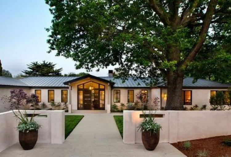 65+ Nice Rustic Mediterranean Farmhouse Exterior Design Ideas