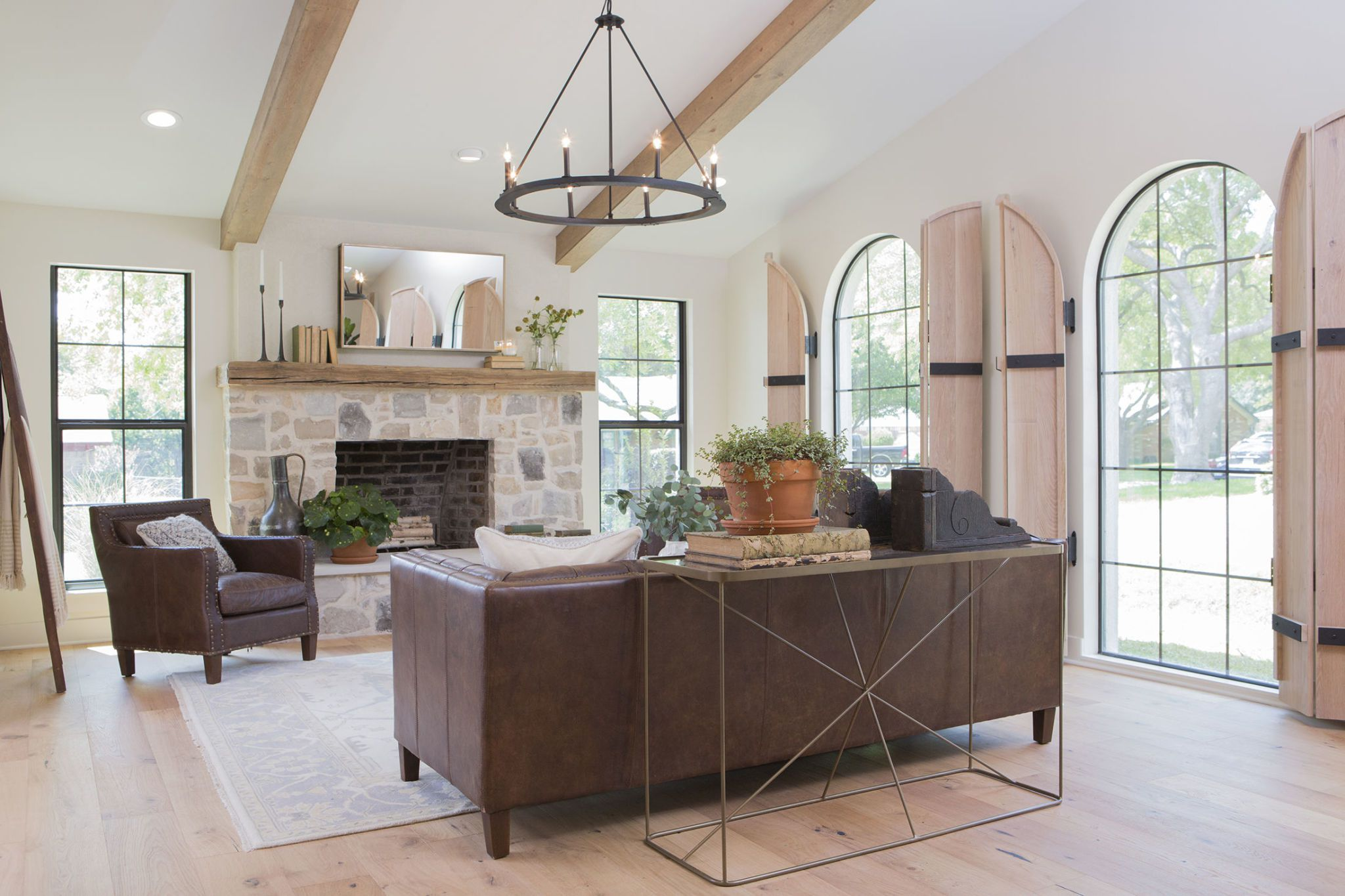 Modern Mediterranean Home Decor Trend - Joanna Gaines Popularizes