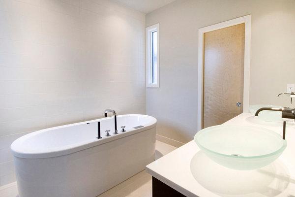 Simple Minimalist Bathroom 5