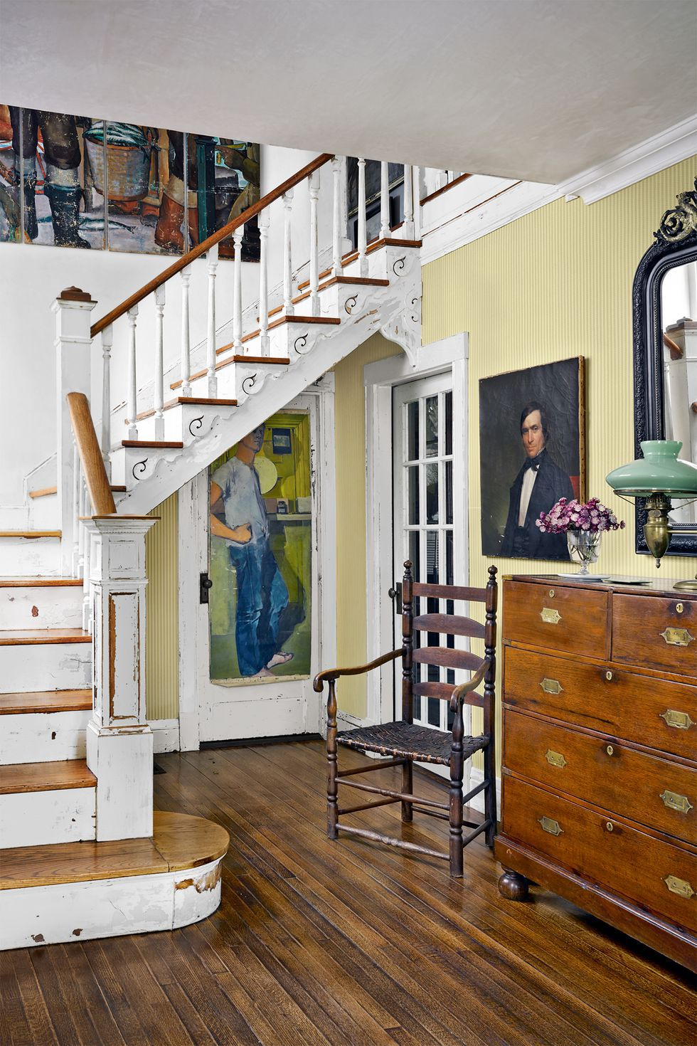 44 Staircase Design Ideas - Beautiful Ways to Decorate a Stairway