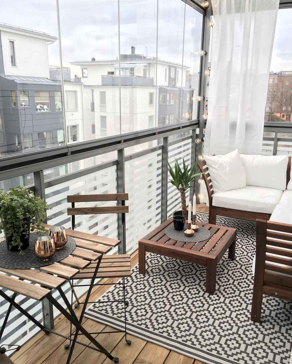 50 Affordable Small First Apartment Balcony Decor Ideas - Roomadness.com
