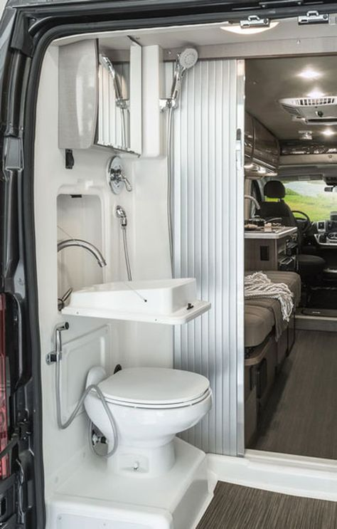 80 Wonderful Small RV Bathroom and Toilet Remodel Ideas | Small rv