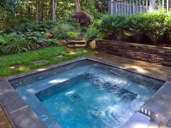19 Swimming Pool Ideas For A Small Backyard | Homesthetics