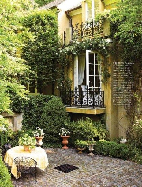 41 Unordinary French Country Patio That Make Your Flat Look Great