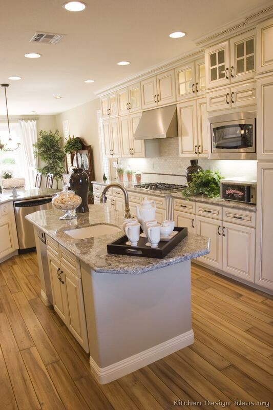 Best Antique White Kitchens images #Antique White Kitchens Cabinets