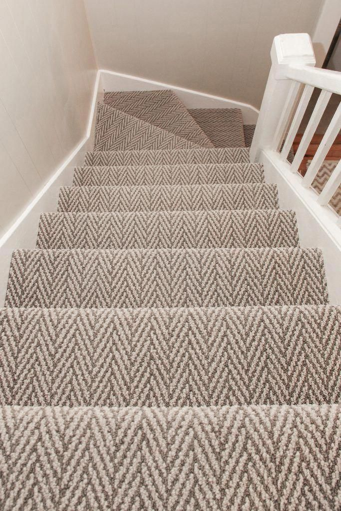 carpet rugs for stairs to the living room