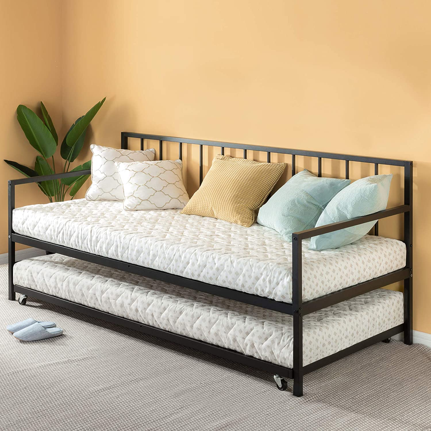 Day bed with a roll