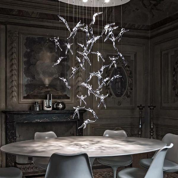 Fantastic chandelier for large rooms