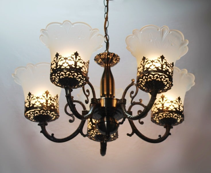 How to buy a chandelier online
