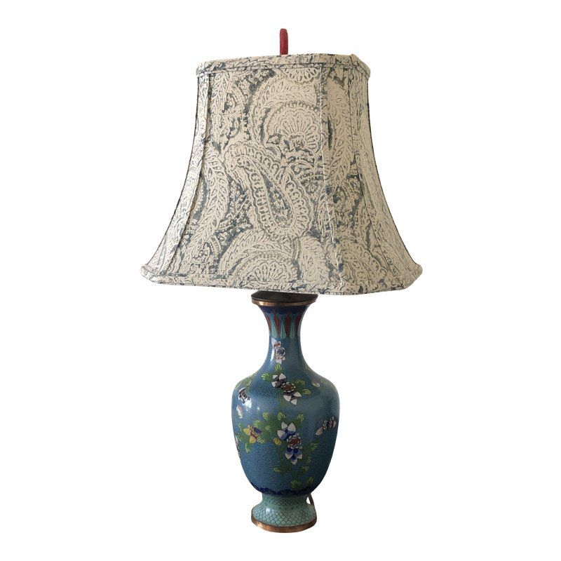 Interior that fits Asian table lamps