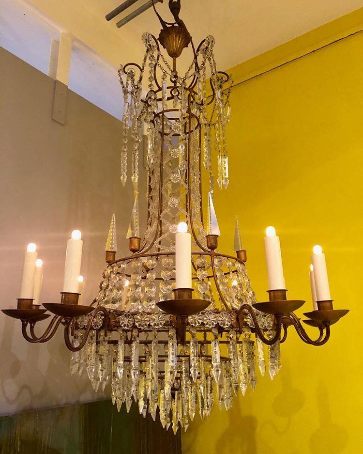 Italian chandeliers decor