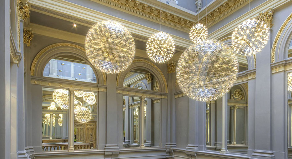 Large chandeliers for large spaces