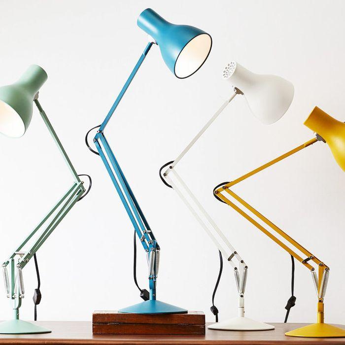 Choosing cute desk lamps