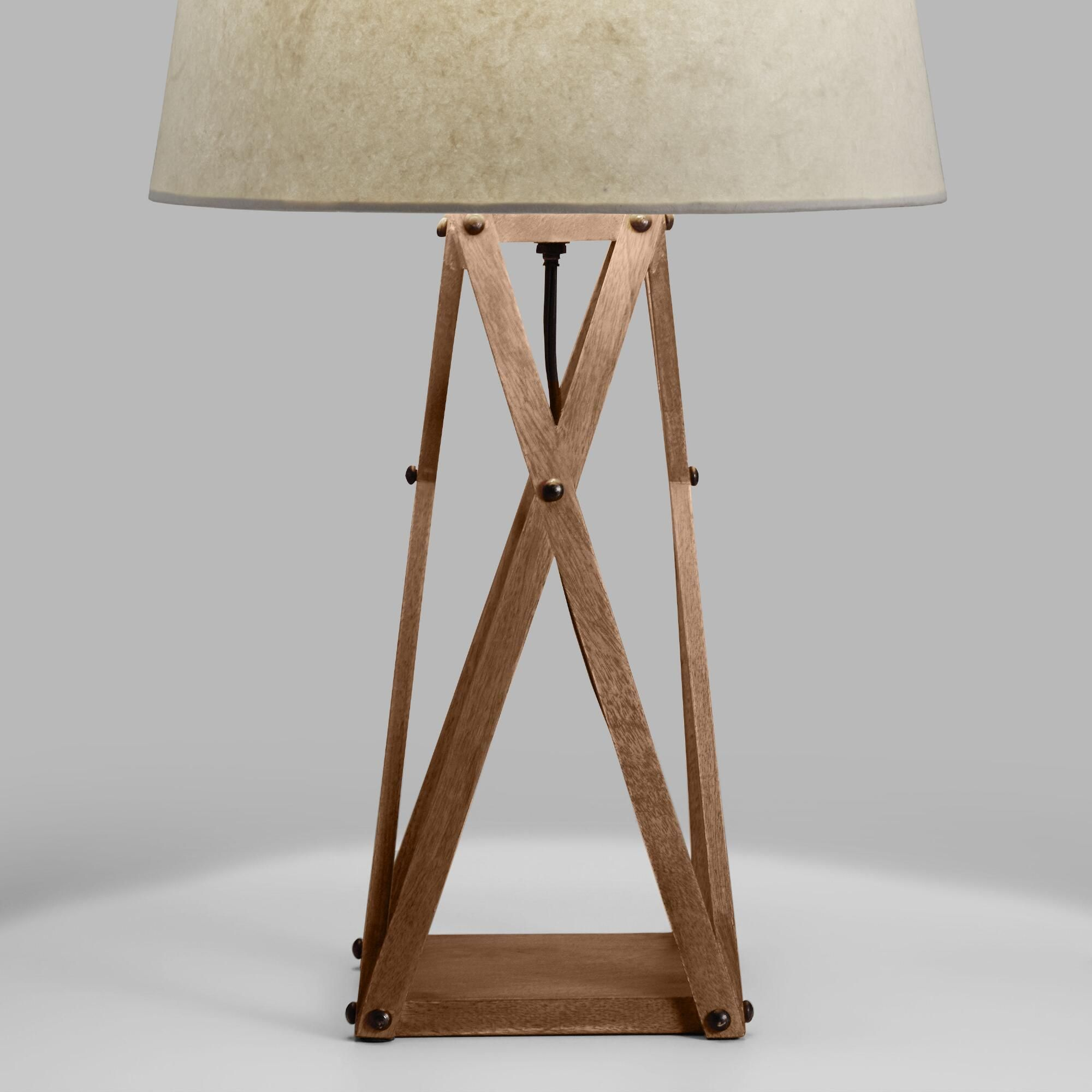 Wooden lamps that combine basic